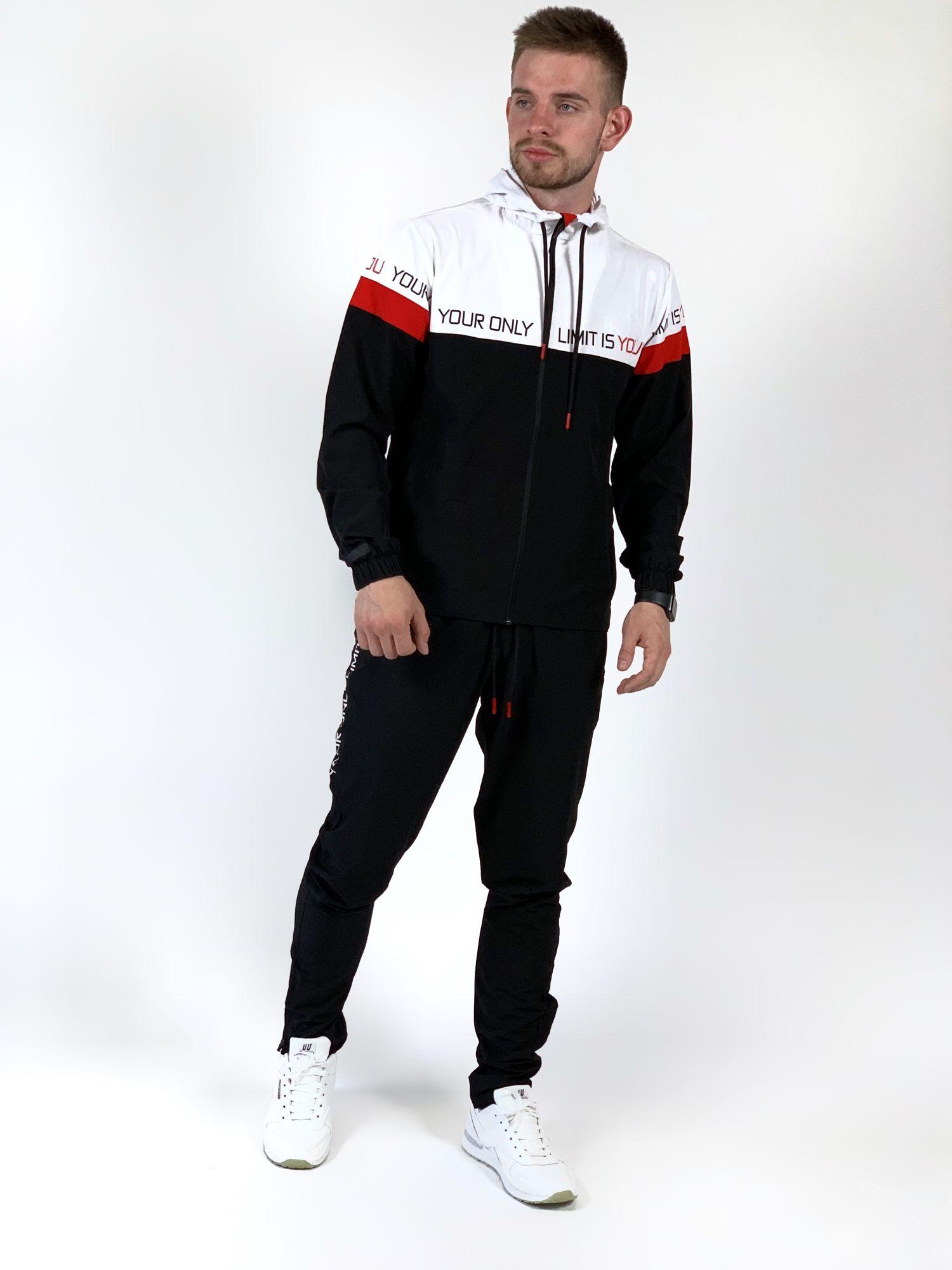 Мужской спортивный костюм FREEVER 18134